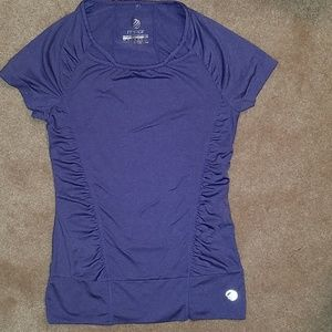 Cute purple short-sleeved activewear top (4/$20)